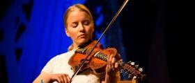Helga Myhr kan bli Årets unge folkemusiker 2018