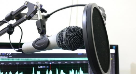 Lyst til å bli radioreporter, tekniker eller radio-DJ?