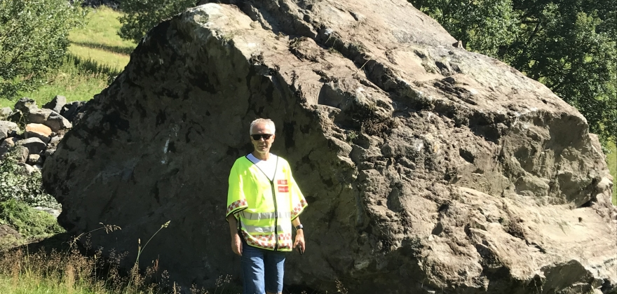 160 tonn tung stein knuste eldhus i Hovet