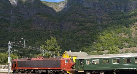 Bekymra for framdrifta av Ringeriksbanen