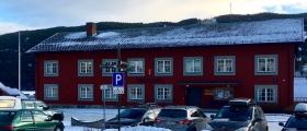 Alle helseinstitusjonar i Ål blir stengt frå i dag