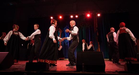 Ål spel- og dansarlag vant lagdansen i seniorklassa.