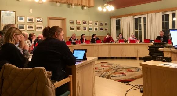 Kommunestyret ba om meir forhandlingar