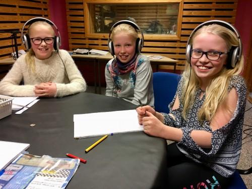 ! To poeng bak. Hallingskarvet skole:  Sigrun Perstølen, Ebba Larsgard og Lea Sofie Lemke (Arkivfoto)