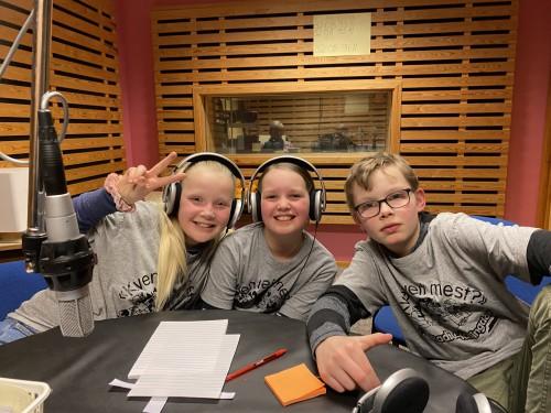 !Laget fra Torpo skole: Nora Karterud Sørensen, Elida Hagen og Odin Korell Holt