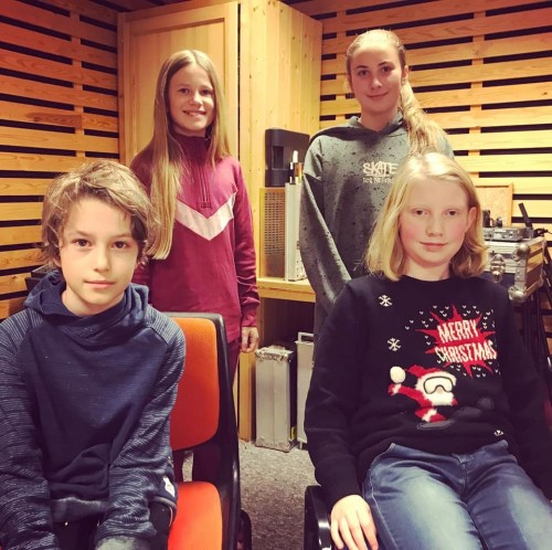 ! LAG NEDRE-ÅL2: Ingvild Marie Brattåker Skåre (bak til venstre), Karoline Fluto (reserve), Ole Lukas Giljebrekke Andersen (foran til venstre) og Magnus Emil Anthun